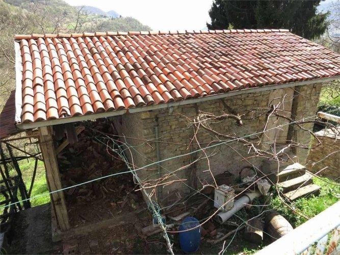 PORZIONE DI CASA con RUSTICO e terreno agricolo Berbenno