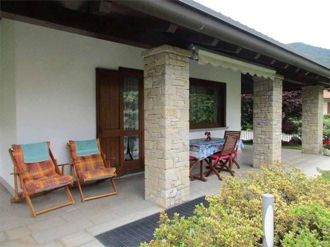 VILLA SINGOLA con ampio giardino privato Capizzone