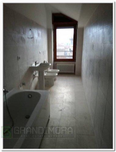 Ultimo piano quadrilocale panoramico piu mansarda Bergamo