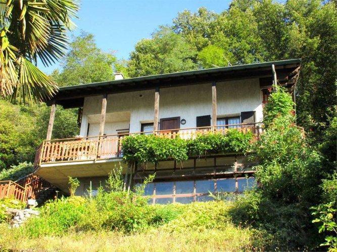 Berbenno - Villa singola con mansarda indipendente