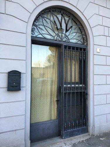 FONDO PIED-A-TERRE CON CUCINOTTO E SOPPALCO O UFFICIO Firenze