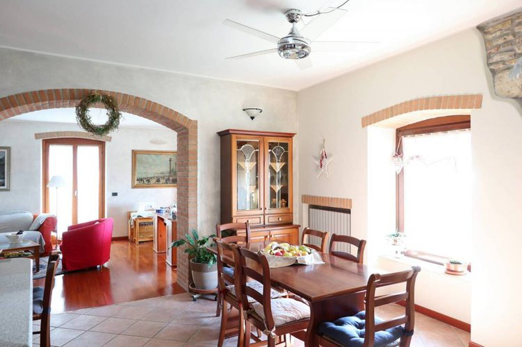 Bergamo Via San Vigilio vendesi trilocale superpanoramico Bergamo