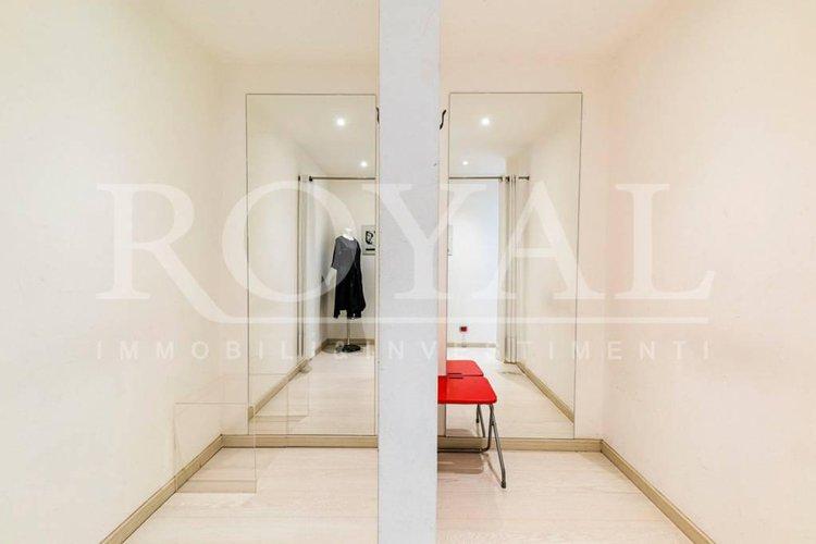 Via Spaventa - Negozio con due vetrine già locato Bergamo