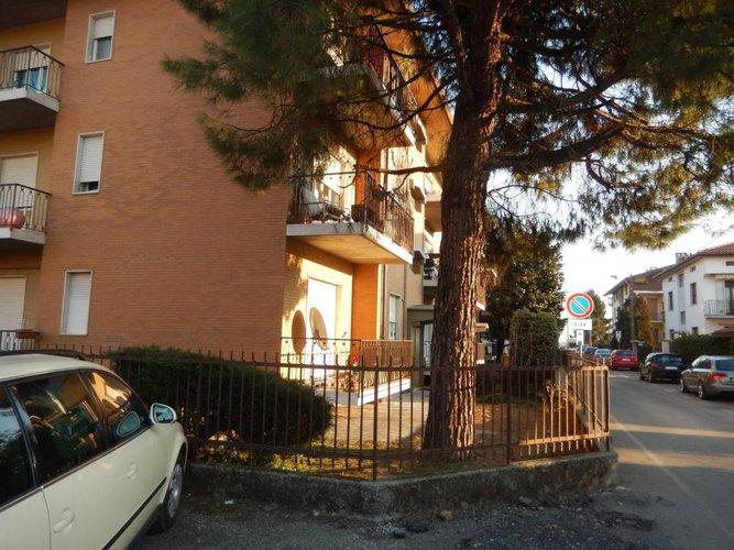INVESTIMENTO:stabile cielo terra n. 11 appartamenti 11 boxes Zanica