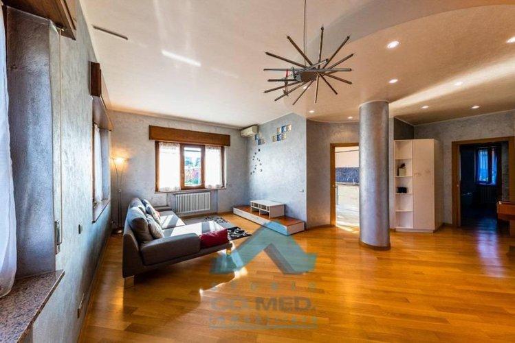Paderno - appartamento 5 locali € 227.000 T552