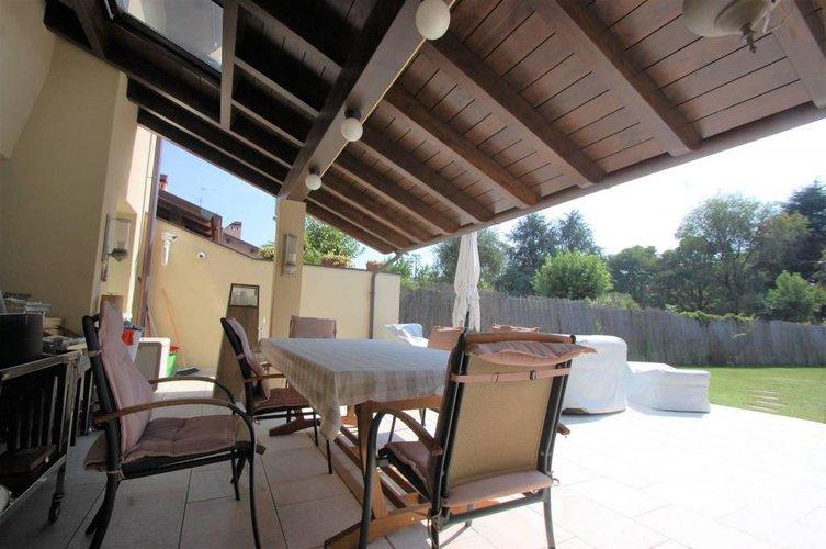 1068 Villa Bajo con giardino Gorle