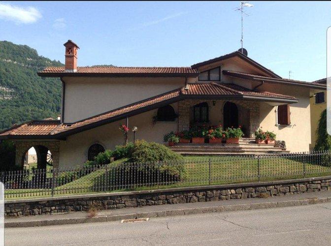 Villa Singola in Vendita a Bracca Bracca