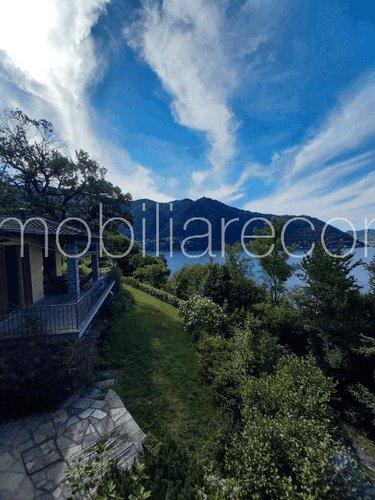 CERNOBBIO villa vista lago con giardino privato Cernobbio